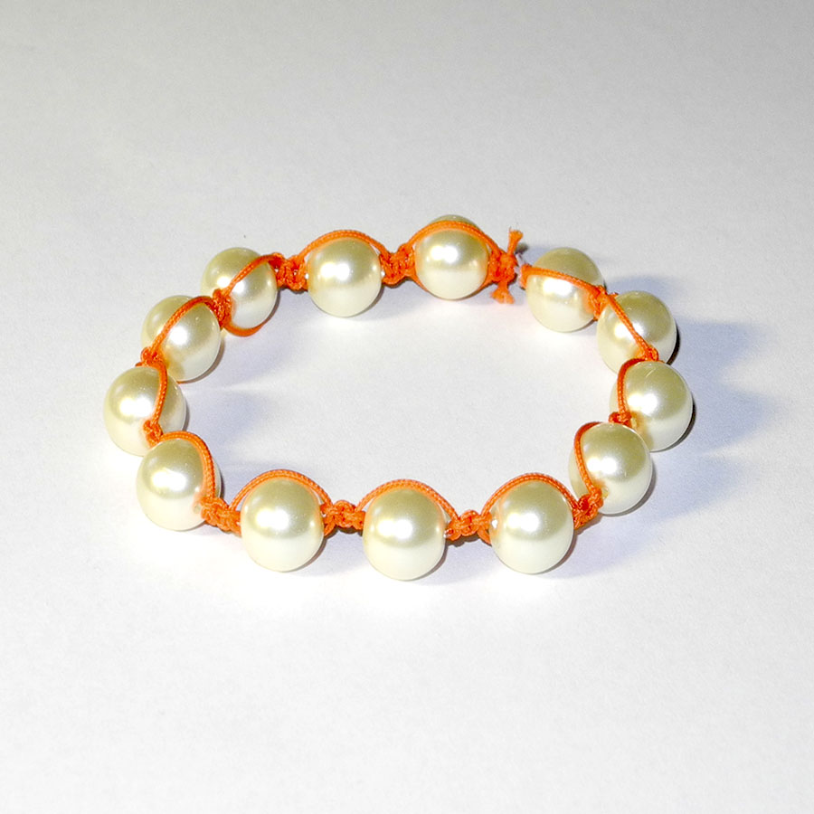 2390994f6 Shamballa náramek, bílé voskované perly