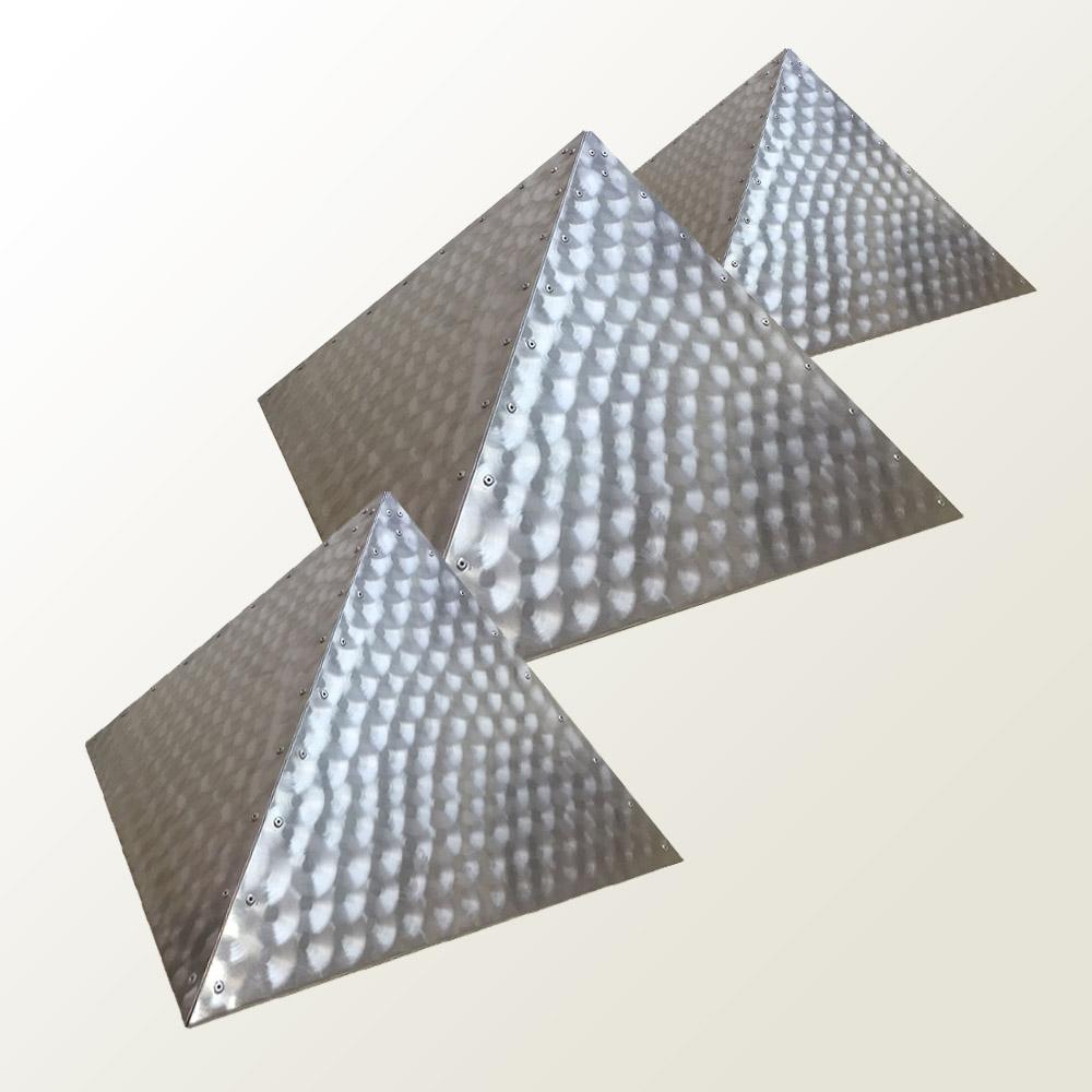 Hliníkové pyramidy